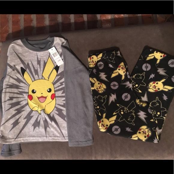 4511c45686 Pokemon Pajamas   Nwt Boys Pokmon Pj Set Topbottomsrobe   Poshmark